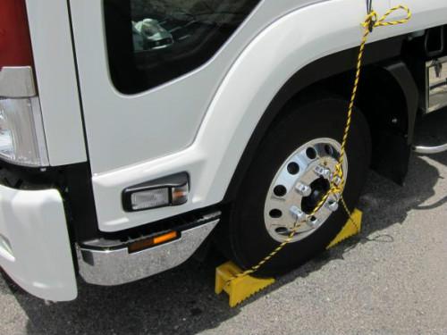 トラックの安全運行に役立つ道具をそろえましょう